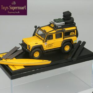 Master – Camel Trophy Land Rover Defender with Canoe Accessories Pack
